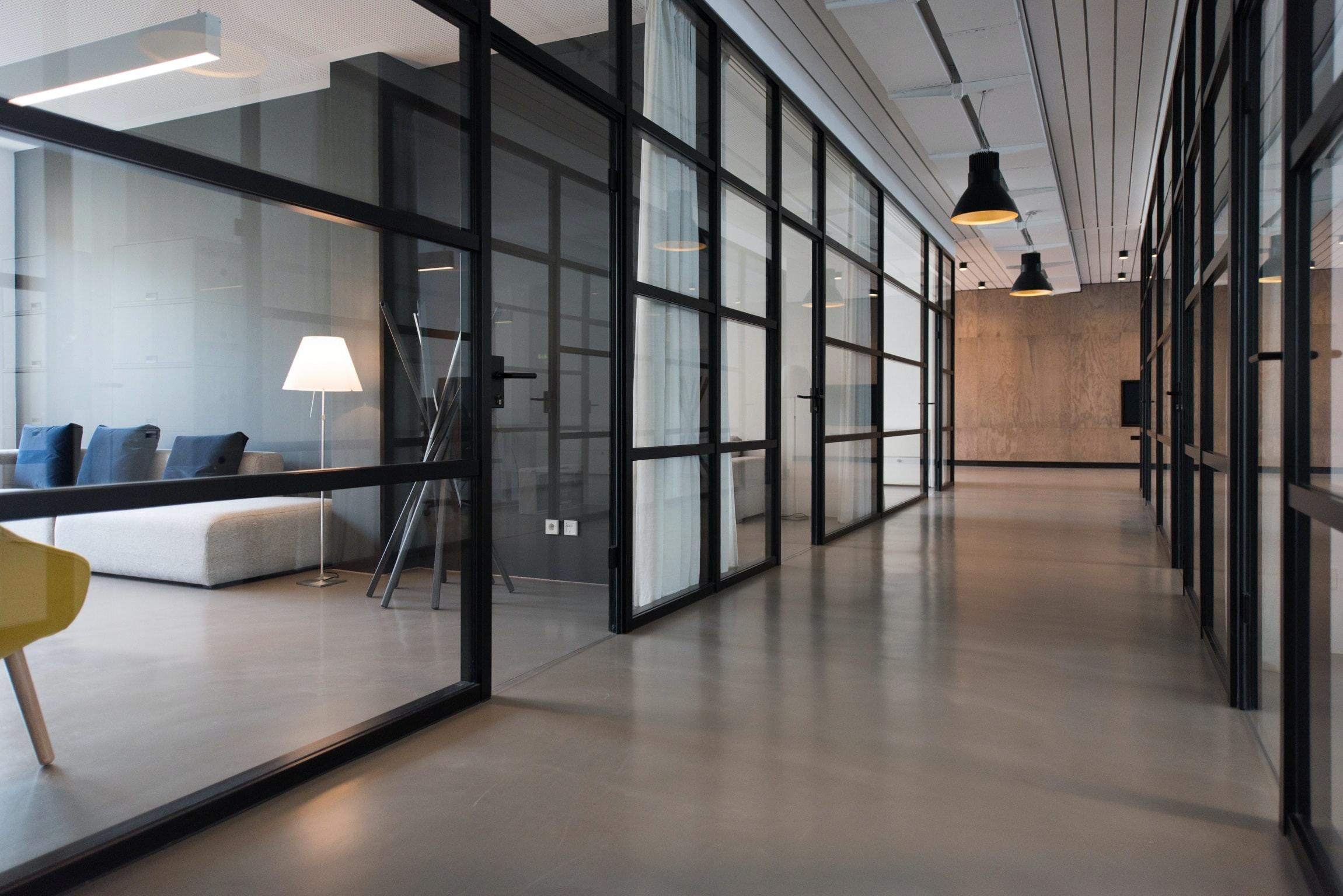 El modelo de trabajo híbrido: una tendencia que se consolida con la vuelta a la oficina.